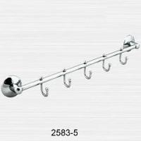 Полотенцедержатель трубчатый на пять крючков
